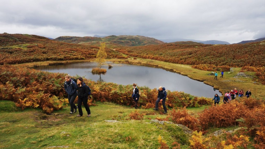 Hiking past Lilly Tarn