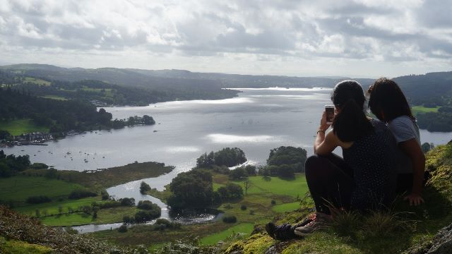 Rydal Hall yoga hikes windermere viewpoint