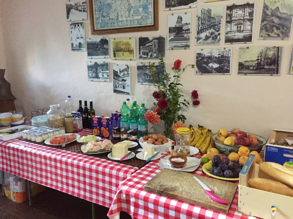 spain-yoga-hiking-breakfast spread