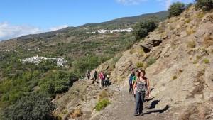 spain-yoga-hiking-gorge-walk