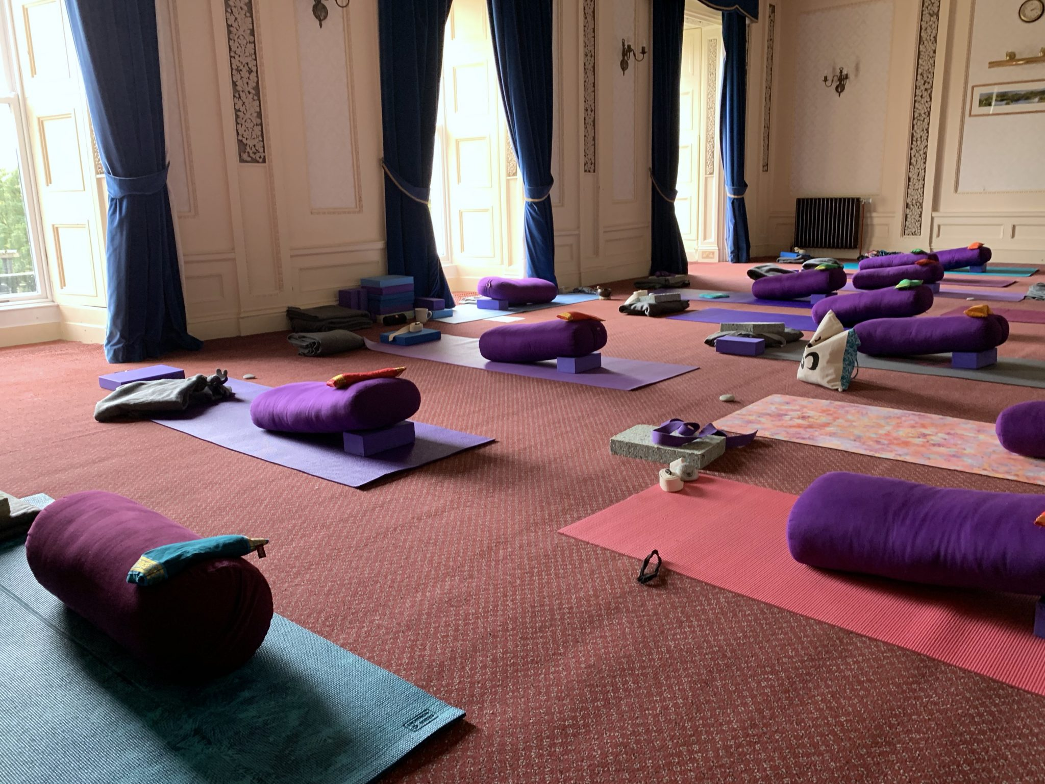 Break with Yoga Hikes